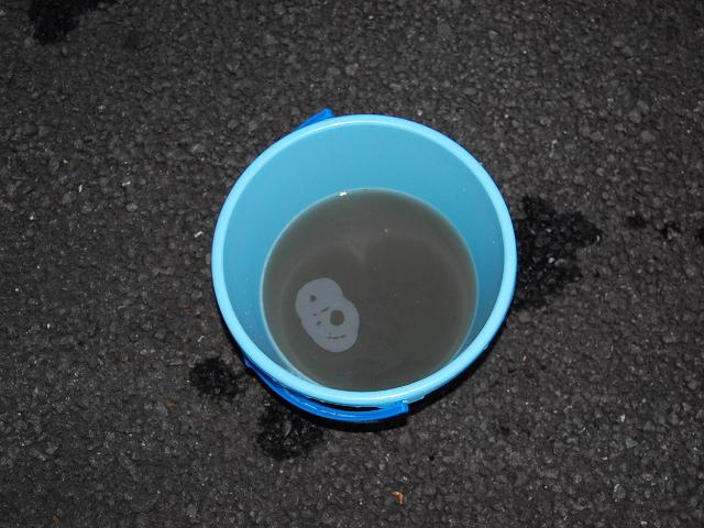 アウディQ5シート丸洗いクリーニングの汚水