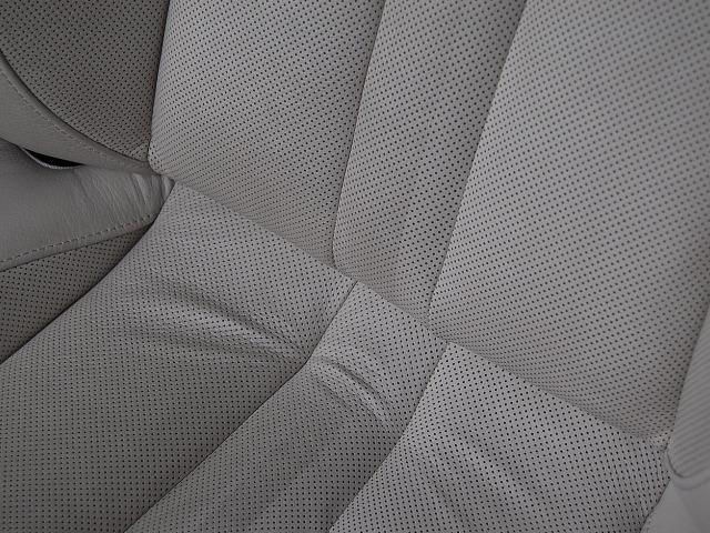 BMW650カブリオレ運転席レザーの汚れ