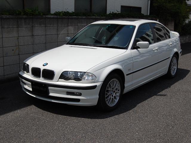BMW320(GH-AV22)