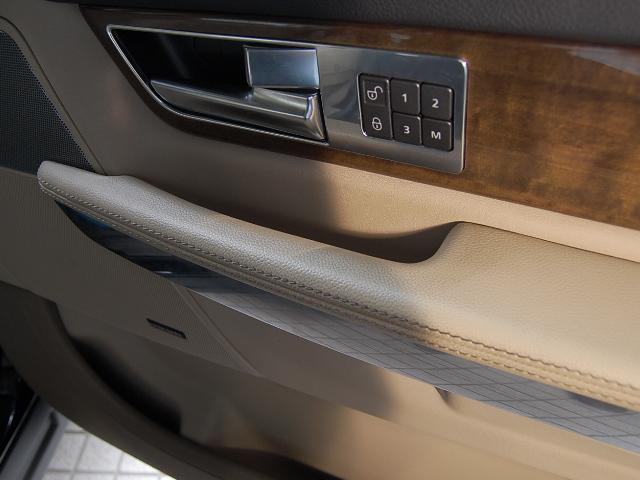 ベージュ車の内装の汚れ