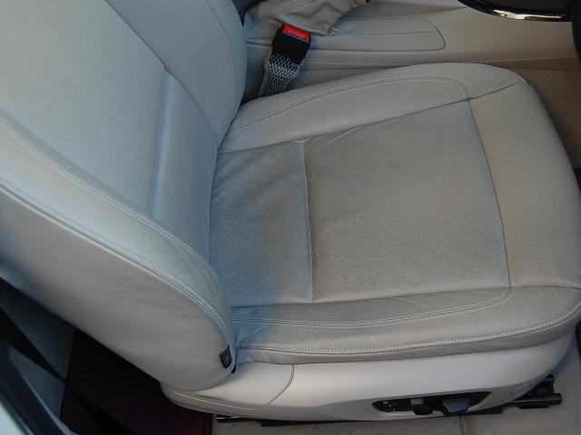 BMW120レザーシート汚れ