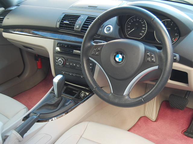 BMW120カブリオレ車内まるごとクリーニング